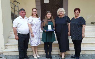 Maturantica Barbara Pleh primila nagradu Rotary Kluba Čakovec